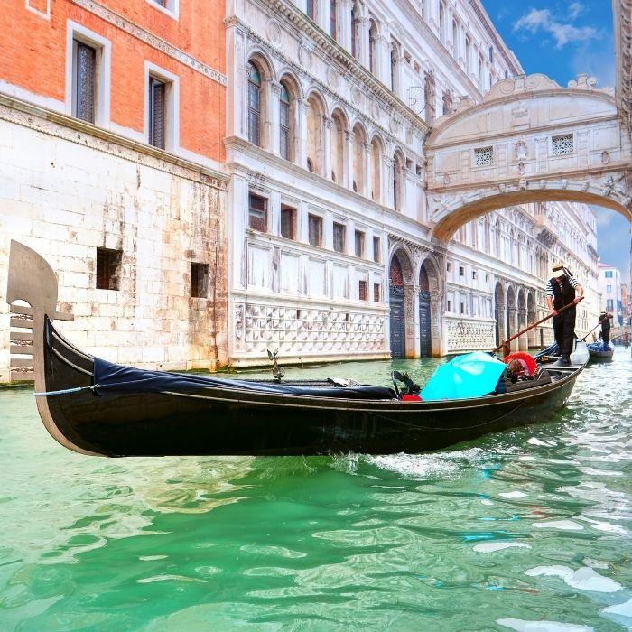 tour in gondola venezia